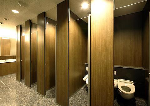 卫生间成品隔断工程施工详解方法