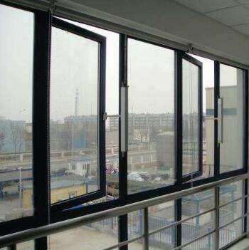 防火窗的玻璃是普通玻璃吗