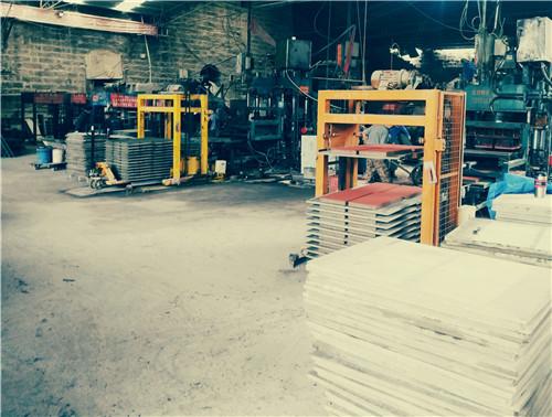 路面砖厂生产车间