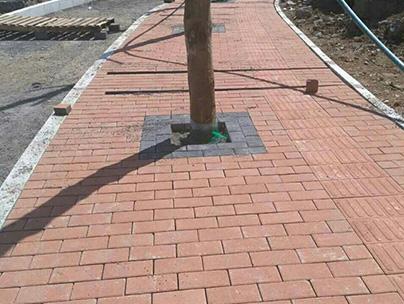小区混泥土透水砖防滑路面项目竣工