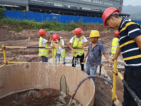 复杂地基旋挖桩塌陷气泡混合轻质土回填