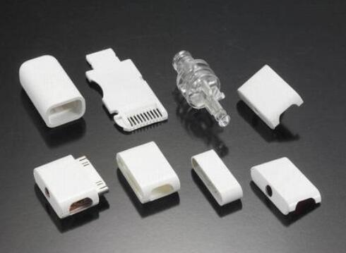 注塑加工时塑料制品会出现裂纹缺陷的原因