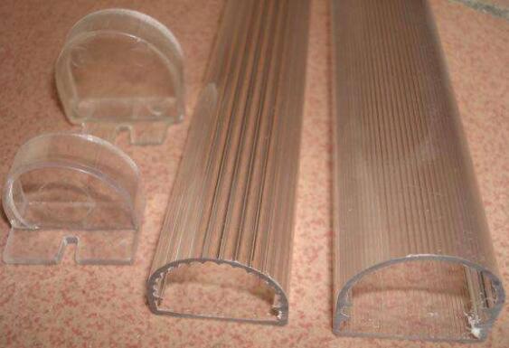塑料产品生产出来整体发脆的原因是什么