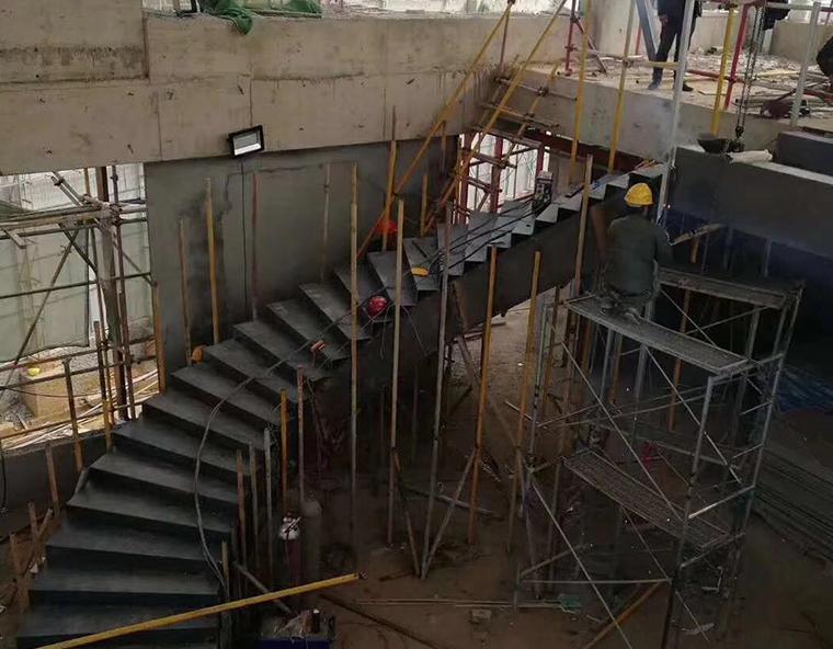 钢结构楼梯安装的小技巧讲解