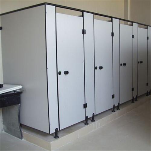 卫生间挡板安装