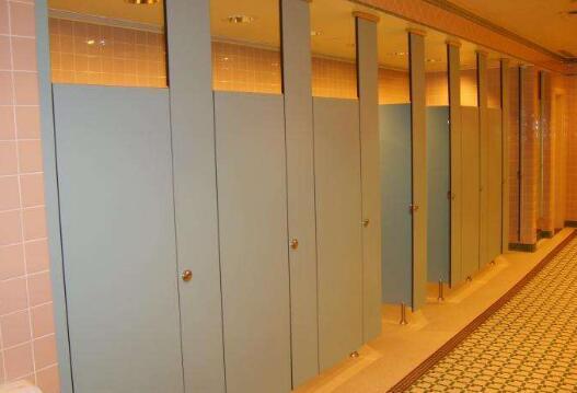 不同类型的卫生间隔断具有的特点