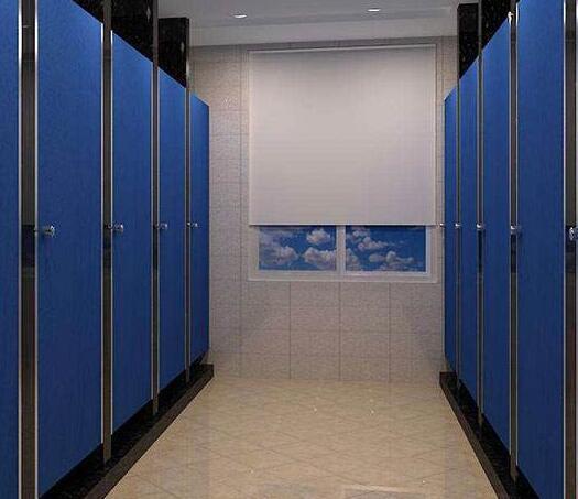冬季是卫生间隔断的温度安装要求