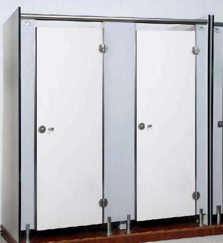 关于卫生间隔断的材料选择