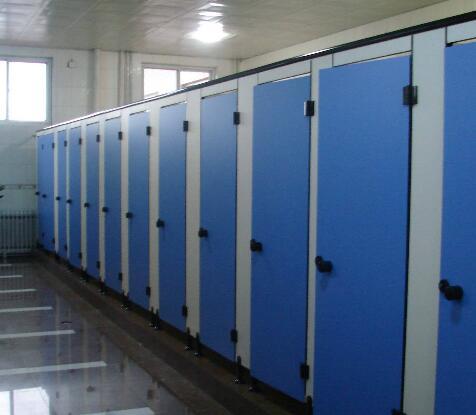 怎样增强卫生间隔断的空间感