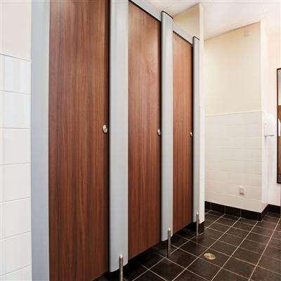 办公楼中公共卫生间选择什么样的隔断