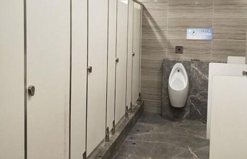 抗倍特隔断板材和防潮隔断板材的优劣对比
