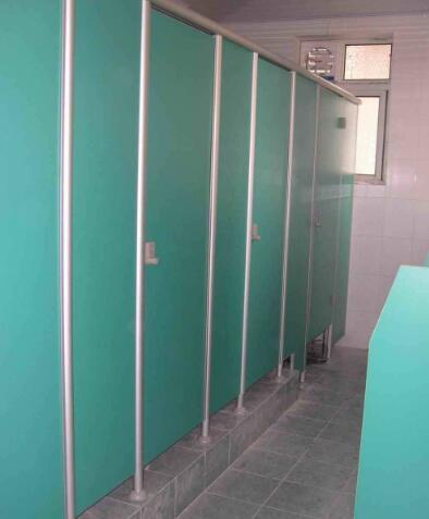 卫生间隔断该怎样进行清洗消毒