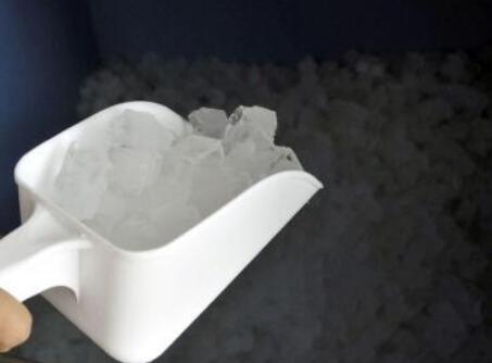 关于降温冰块制造全过程
