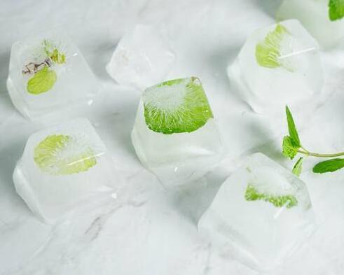 怎样健康地把冰块解冻