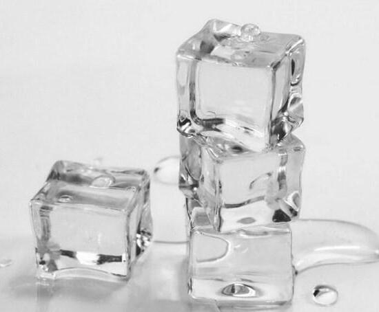 降温冰块在医学方面具有不错的应用