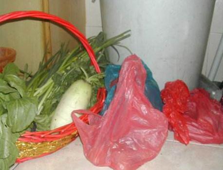 塑料袋装菜放冰箱有害是真是假