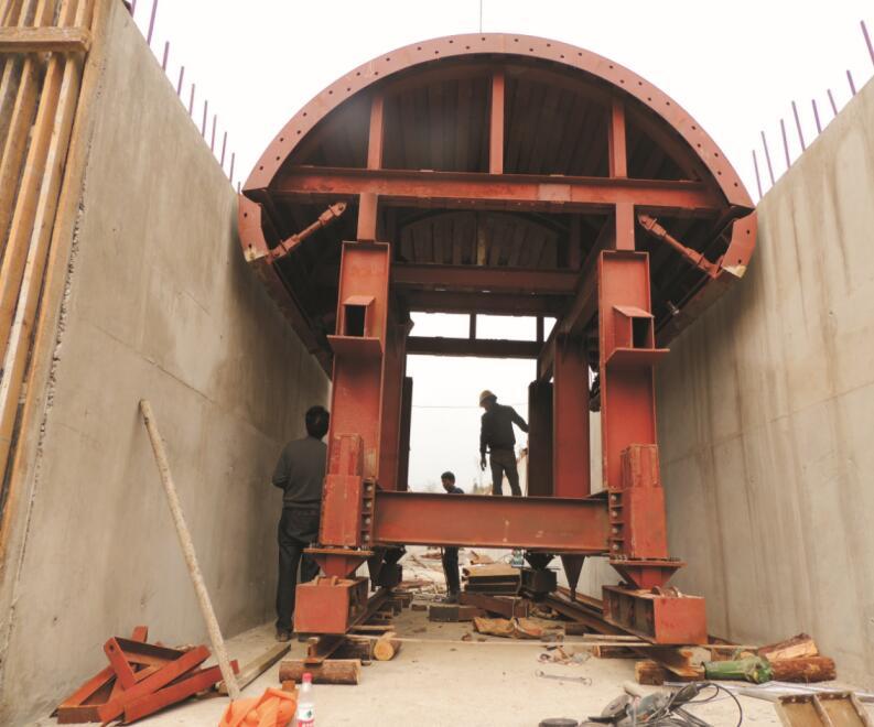 重庆桥梁挂篮厂家分享钢模板的优势是什么