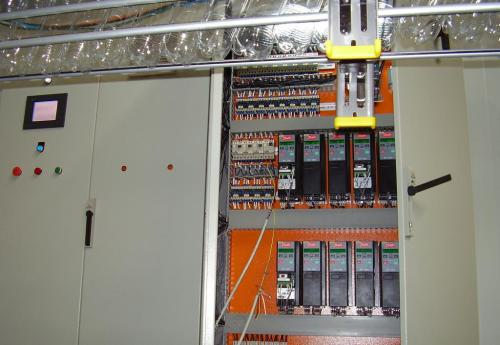 户外防水配电箱电器远离谁安全系数有保障