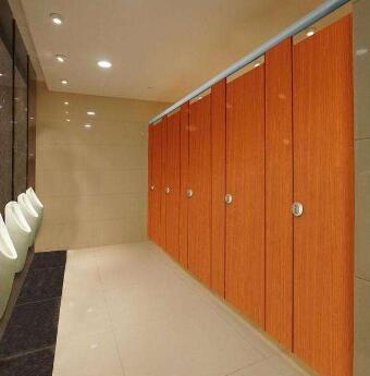 卫生间隔断板材质量的检查方法