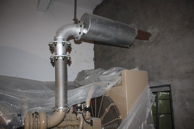 400KW发电机组安装中