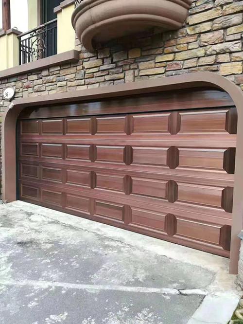 车库翻板门安装