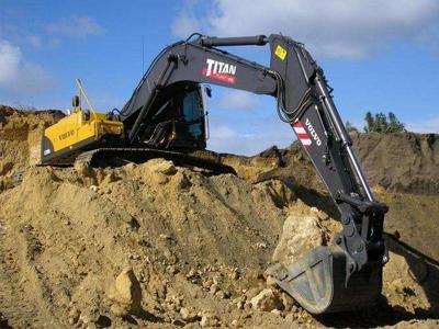 挖掘机无动作故障维修