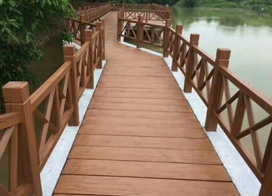芬兰木防腐木围栏的优点以及安装工艺