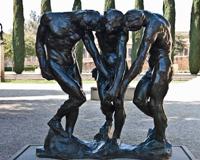 不锈钢雕塑相关的保养工作非常的关键