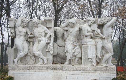 著名装饰雕塑