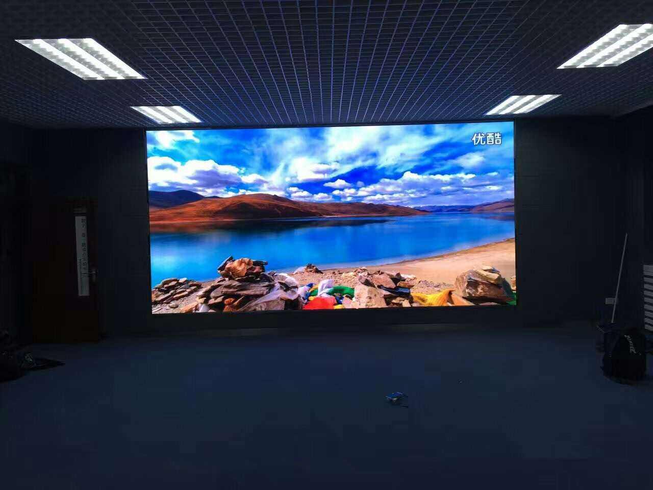 LED显示屏显示时,可以播放丰富多变的内容