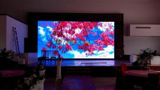 LED电子显示屏大致可分为静态扫描和动态扫描两种方法
