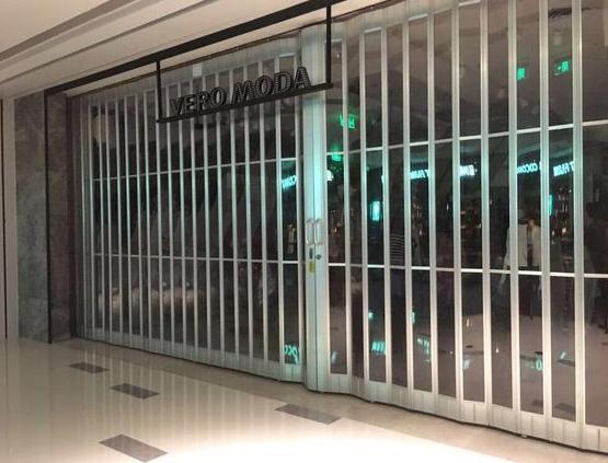 商场也适用的PVC折叠门