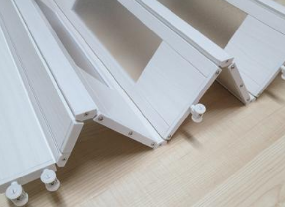 卫生间使用PVC折叠门有什么好处呢?