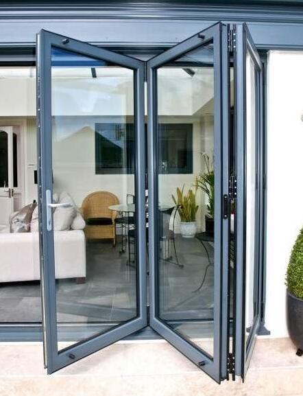 铝合金折叠门延长寿命的方法