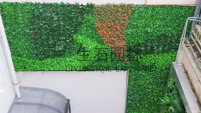 江与城别墅区一角---明筑牌仿真植物墙