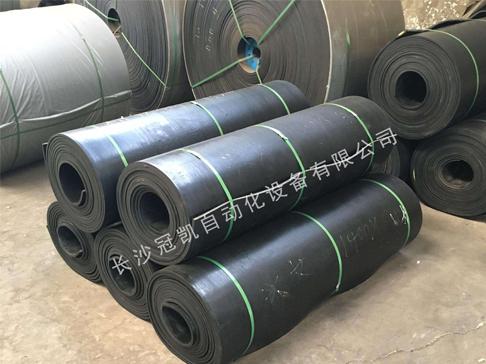 分析关于橡胶输送带受损原因及防护措施