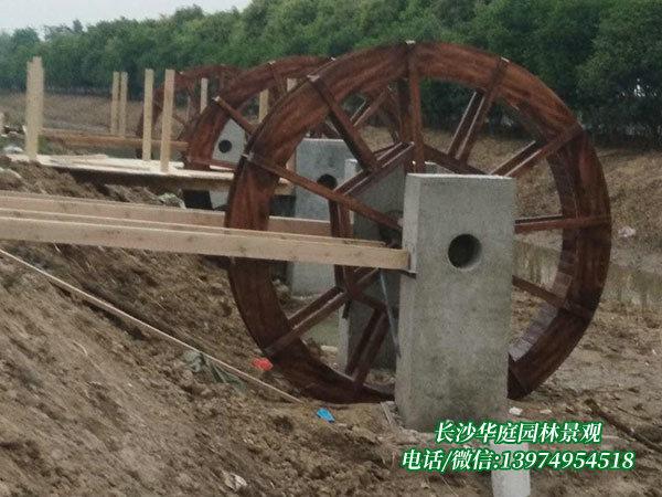 防腐木水车3