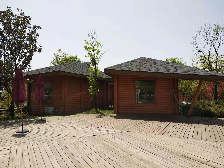 炭化木木屋2