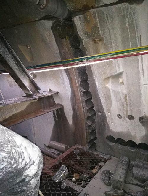 长沙地铁口开门洞