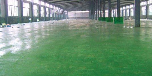 金刚砂耐磨地坪为什么会泛碱?