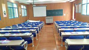 重庆轨道专业学校教室