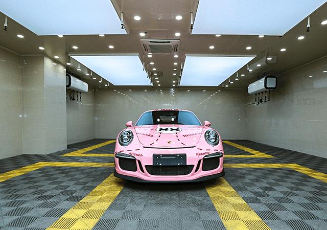 保时捷911GT3车身改色粉色猪猪