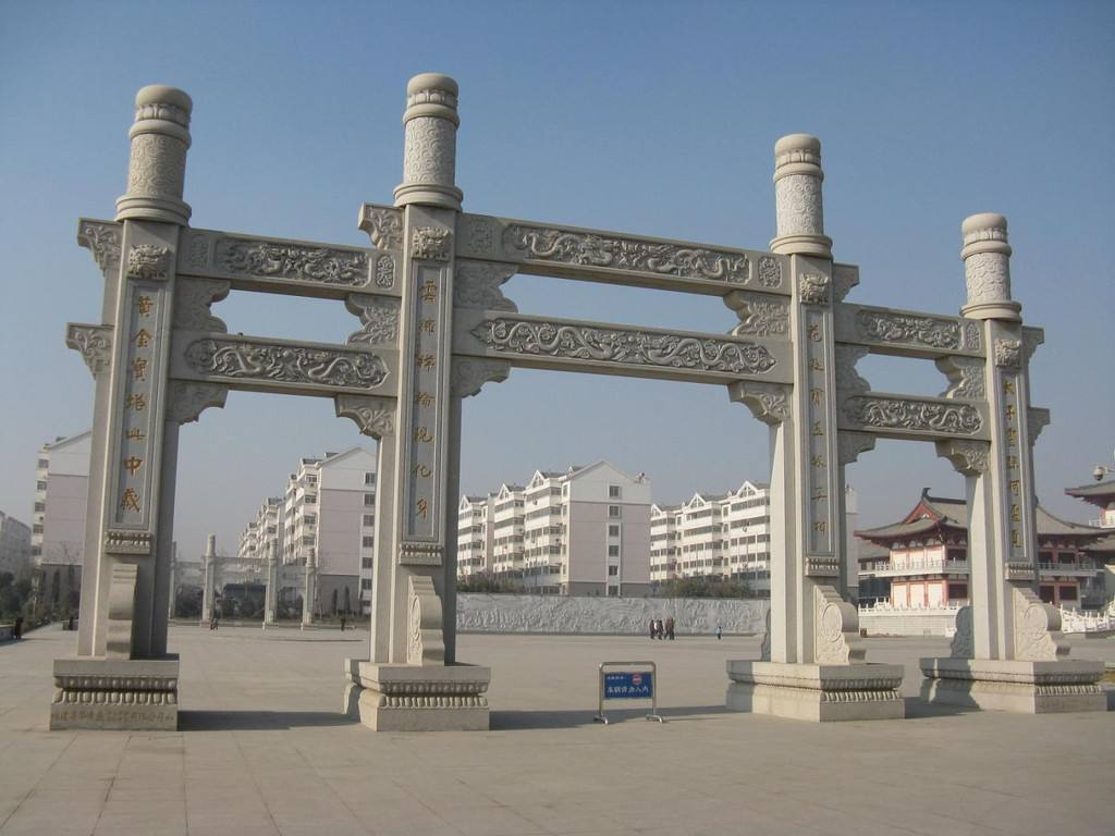 襄阳石雕牌坊为我们展现了更多的传统文化