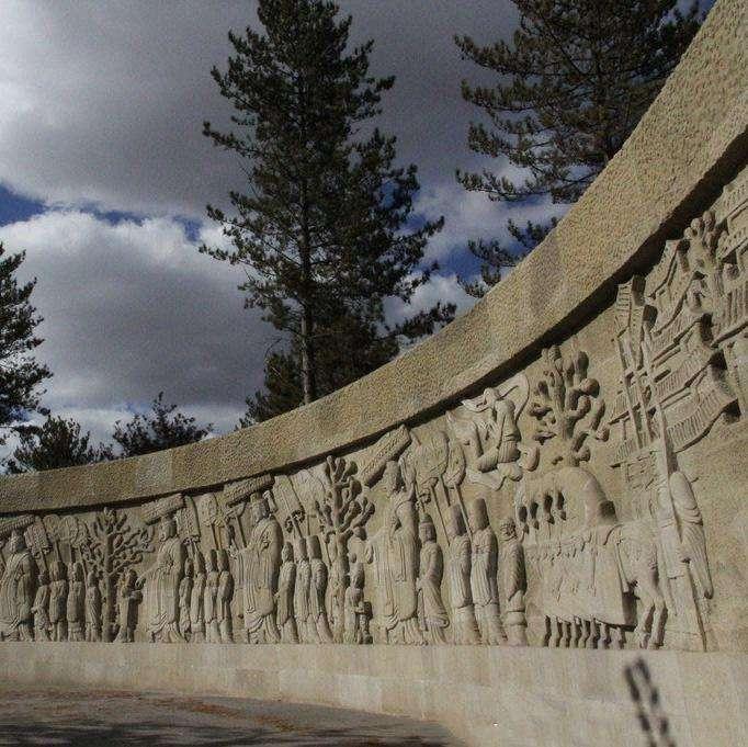 墙面人物浮雕