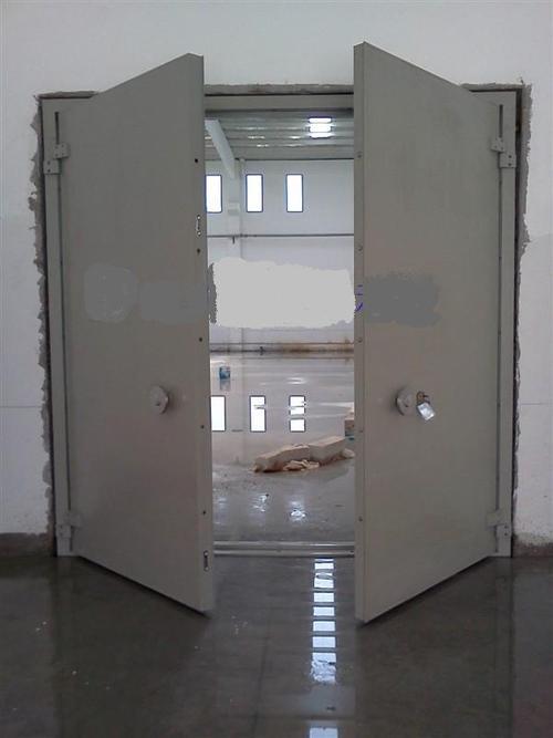 立井防爆门