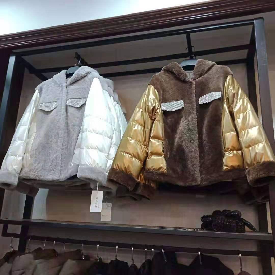 天冷了需要一件让你气场十足的羊绒大衣