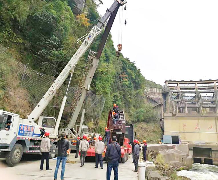 40吨吊车出租案例