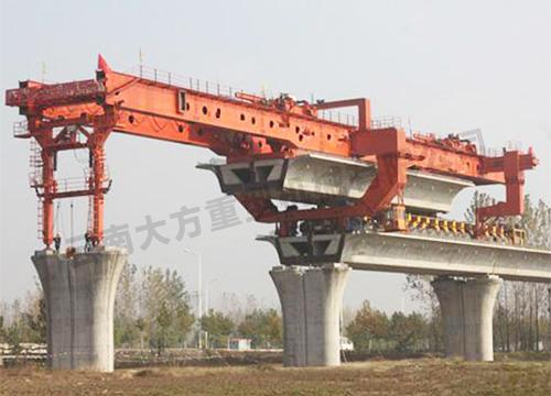 昆明双悬臂式架桥机