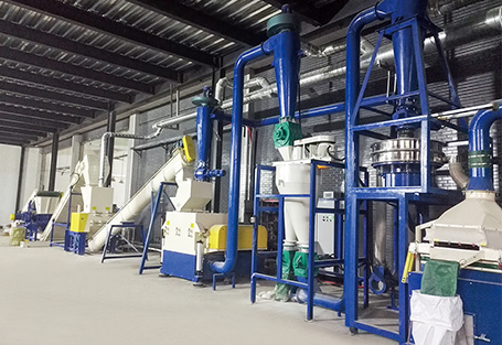 Circuit board crushing and recycling production line