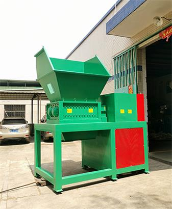 Double shaft shredder for African customers